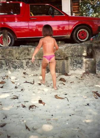 camila_biquini_criança